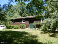 Photo of 104 Oak Ct, Milford, PA 18337 (MLS # 18-3201)