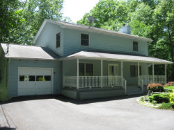 Photo of 126 Northwynd Dr, Milford, PA 18337 (MLS # 19-2582)