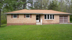 Photo of 33 Rocky View Dr, Hawley, PA 18428 (MLS # 20-1464)