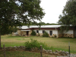 Photo of 329 Mountain View Place, Pipe Creek, TX 78063 (MLS # 1203062)