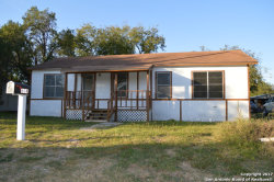 Photo of 604 Crouch Ave, Devine, TX 78016 (MLS # 1277520)