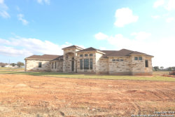 Photo of 315 Abrego Lake Dr, Floresville, TX 78114 (MLS # 1340150)