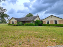 Photo of 421 BEAR GDNS, La Vernia, TX 78121 (MLS # 1379460)