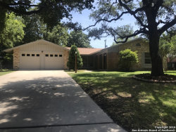 Photo of 320 TOWNE VUE DR, Castle Hills, TX 78213 (MLS # 1382330)
