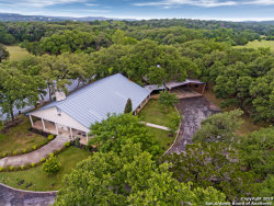 Photo of 6 Upper Cibolo Creek Rd, Boerne, TX 78006 (MLS # 1384154)