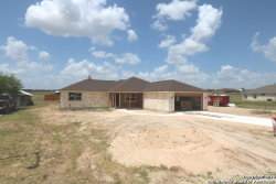 Photo of 165 Turnberry Dr, La Vernia, TX 78121 (MLS # 1395994)