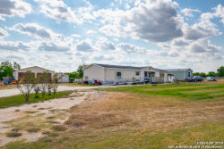 Photo of 324 STAGECOACH HILL DR, Seguin, TX 78155 (MLS # 1403402)