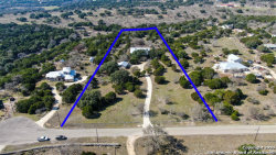 Photo of 213 WINDVIEW DR, Boerne, TX 78006 (MLS # 1441116)