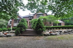 Photo of 5455 GREAT FOSTERS DR, Rochester, MI 48306 (MLS # 21312944)