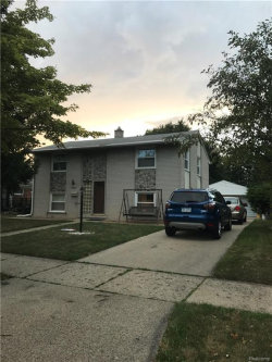 Photo of 29243 SHIRLEY AVE, Madison Heights, MI 48071 (MLS # 21354973)