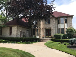 Photo of 1638 NEWCASTLE CRT, Rochester Hills, MI 48306 (MLS # 21355983)