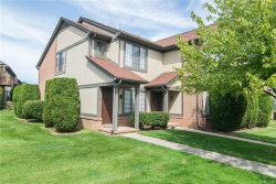 Photo of 1570 MEADOW SIDE DR, Rochester Hills, MI 48307 (MLS # 21379828)