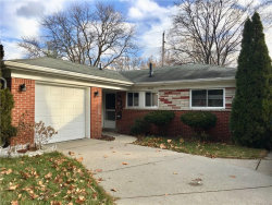 Photo of 23110 TUCK RD, Farmington Hills, MI 48336 (MLS # 21394955)