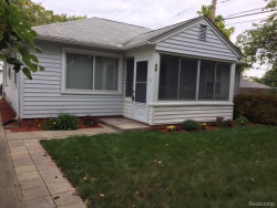 Photo of 28 TACOMA DR, Troy, MI 48084 (MLS # 21395129)