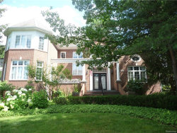 Photo of 6637 CREST TOP DR, West Bloomfield, MI 48322 (MLS # 21415885)