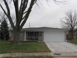 Photo of 33286 LINSDALE CRT, Sterling Heights, MI 48310-6032 (MLS # 21532957)