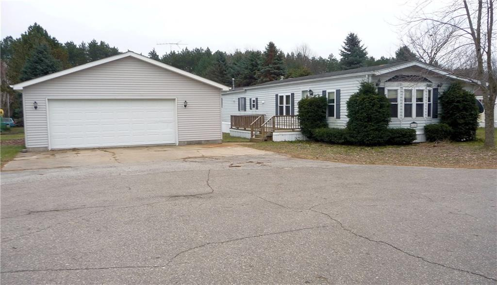 Photo for 5383 SPRUCE DR, Croswell, MI 48422-8483 (MLS # 21545986)