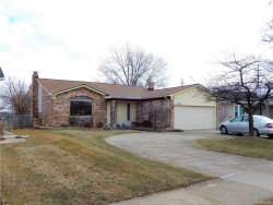 Photo of 39030 PINEBROOK DR, Sterling Heights, MI 48310-2424 (MLS # 21555031)