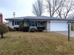 Photo of 33847 SOMERSET DR, Sterling Heights, MI 48312-6073 (MLS # 21581298)