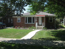Photo of 1915 Manchester, Grosse Pointe Woods, MI 48236 (MLS # 31327723)
