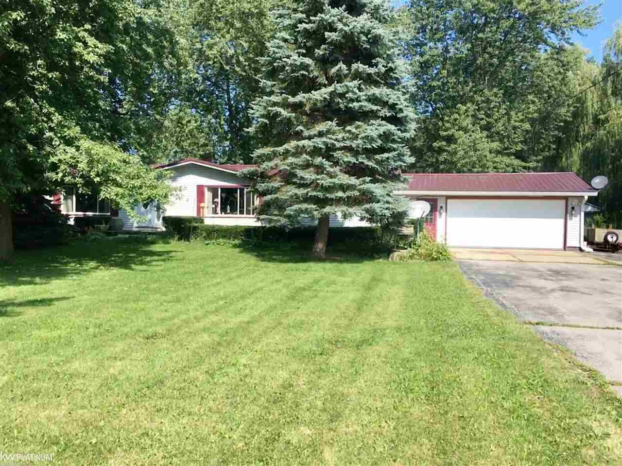 Photo for 7949 Lakeshore Road, Lexington, MI 48450 (MLS # 31360124)