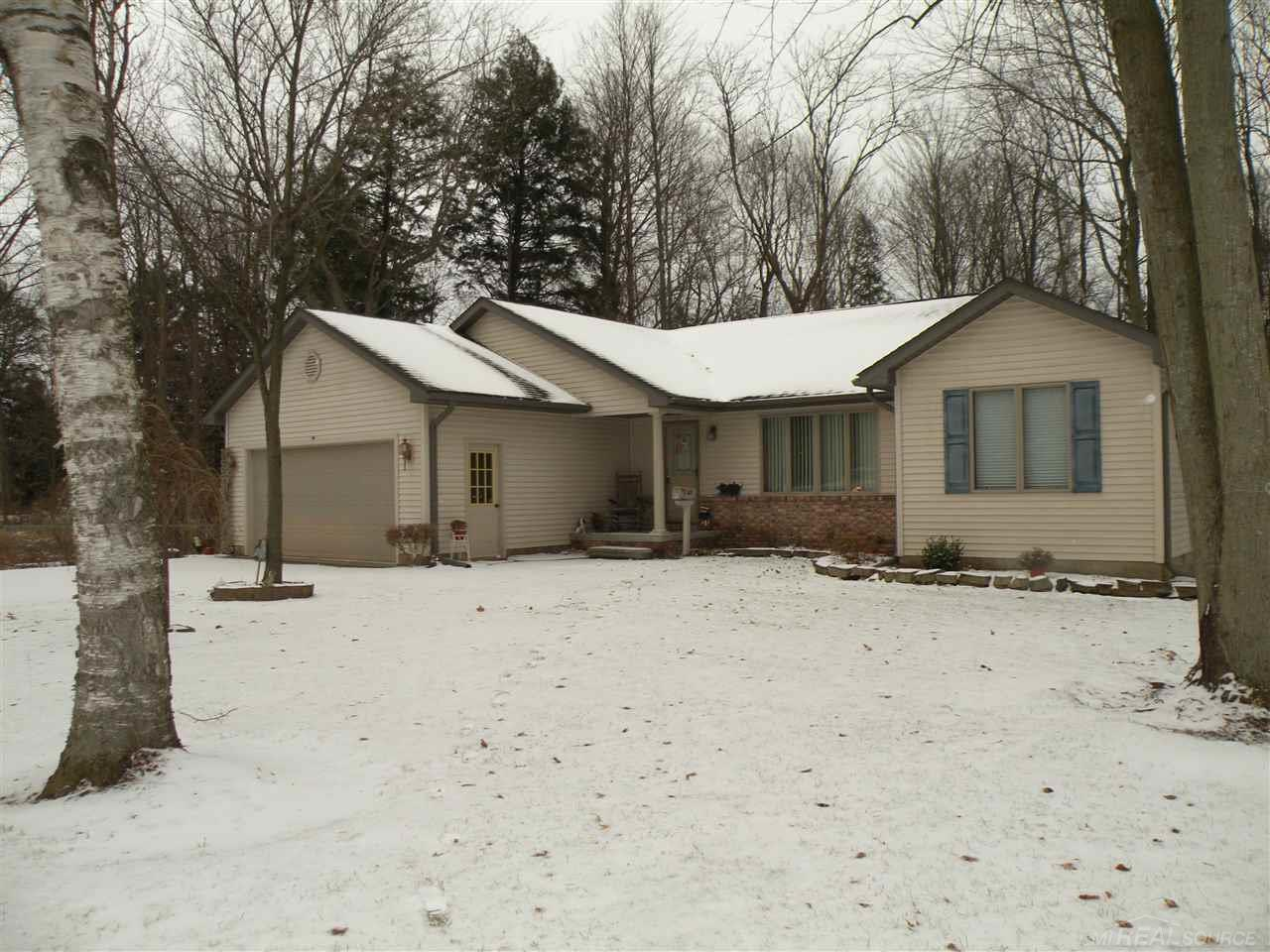 Photo for 42 Pack, Croswell, MI 48422 (MLS # 31368494)
