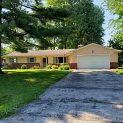 Photo of 1224 Birchwood, Temperance, MI 48182 (MLS # 31378271)