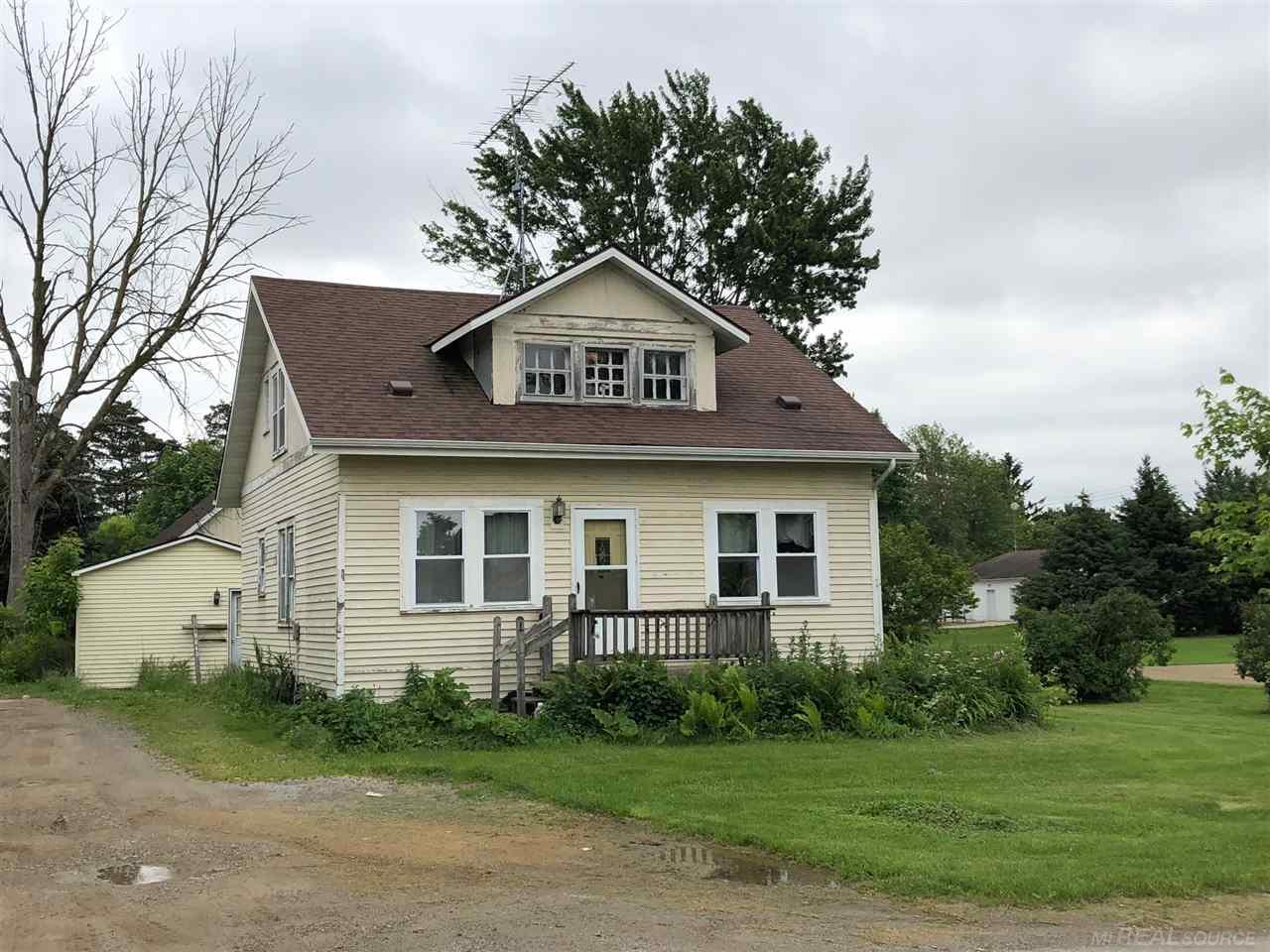 Photo for 1410 S Main St., Snover, MI 48472 (MLS # 31385204)