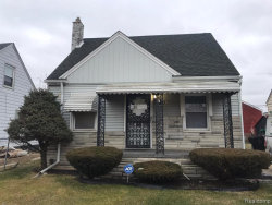 Photo of 3337 S BASSETT ST, Detroit, MI 48217-1518 (MLS # 40017196)