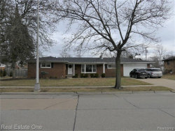 Photo of 1805 WESTFIELD RD, Trenton, MI 48183-1800 (MLS # 40017235)