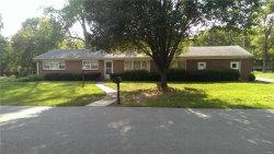 Photo of 301 Tanglewood, Ladue, MO 63124 (MLS # 17065568)