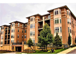 Photo of 842 North New Ballas Court , Unit 106, Creve Coeur, MO 63141-7152 (MLS # 17086040)