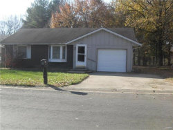 Photo of 15 Trout, Highland, IL 62249 (MLS # 17093141)