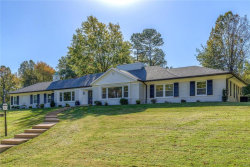 Photo of 8 Country Aire Drive, Town and Country, MO 63131-2318 (MLS # 18000373)
