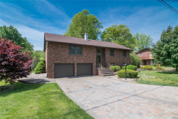 Photo of 147 Crestview Drive, Wood River, IL 62095-4058 (MLS # 18018073)