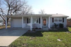 Photo of 327 North Kimberlin Street, Troy, IL 62294-1151 (MLS # 18020708)