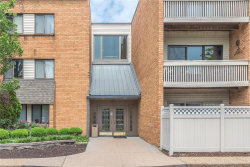 Photo of 950 East Rue De La Banque , Unit 209, St Louis, MO 63141-5178 (MLS # 18040771)
