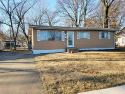 Photo of 921 Forestwood Drive, St Louis, MO 63135-3010 (MLS # 18041664)