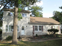 Photo of 270 Lucille Avenue, Webster Groves, MO 63119-4068 (MLS # 18045529)
