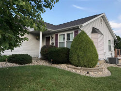 Photo of 113 Bayridge Court, Glen Carbon, IL 62034 (MLS # 18065835)