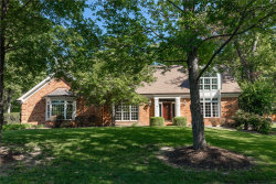 Photo of 23 Deer Creek Woods, Ladue, MO 63124-1411 (MLS # 18067668)