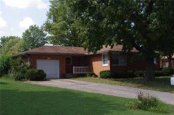 Photo of 2402 Lakeshore Drive, Highland, IL 62249 (MLS # 18075553)