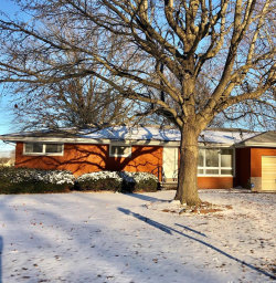 Photo of 1023 Helvetia Drive, Highland, IL 62249-1786 (MLS # 18089415)