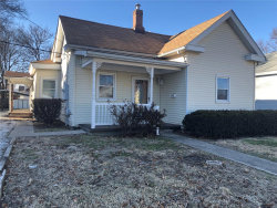 Photo of 230 North Charles, Carlinville, IL 62626-1538 (MLS # 18095384)