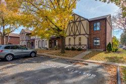 Photo of 336 Barrington Square , Unit H, Kirkwood, MO 63122-4157 (MLS # 19083577)
