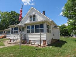 Photo of 519 East Tremont, Hillsboro, IL 62049-1801 (MLS # 20040594)