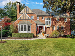 Photo of 711 Sherwood, Webster Groves, MO 63119-3755 (MLS # 20072827)