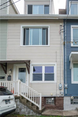 Photo of 2 Bigbee St, Mt Washington, PA 15211 (MLS # 1470316)