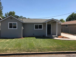 Photo of 404 Chester St, Silverton, OR 97381 (MLS # 721622)