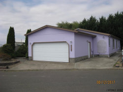 Photo of 2020 12th St, Lebanon, OR 97355 (MLS # 722685)